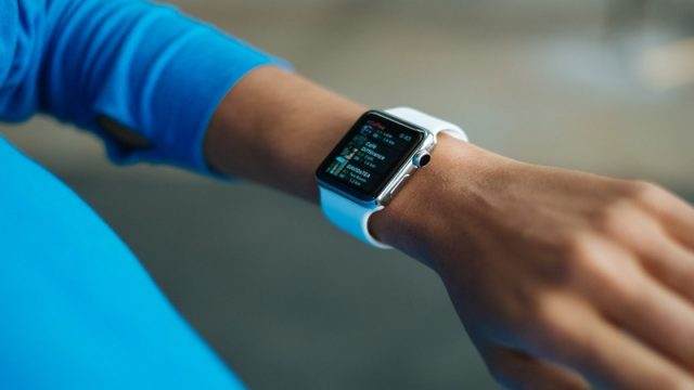 How To Turn On Fitbit Alta HR